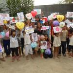 activité peinture avec les orphelins du Vinh Son